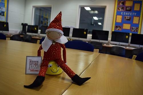Elf-on-the-shelf-Christmas-elves-Parsons-Green-Prep-School-Fulham-London-SW6-UK-learning-education-teaching-BeeBot-1