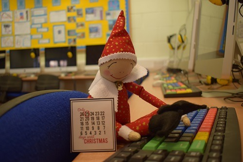 Elf-on-the-shelf-Parsons-Green-Prep-School-Fulham-SW6-London-UK-Christmas-holidays-1