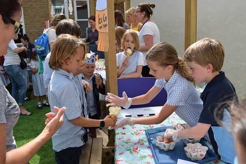 Ice-cream-sale-charity-Parsons-Green-Prep-School-Fulham-London-SW6-teaching-education