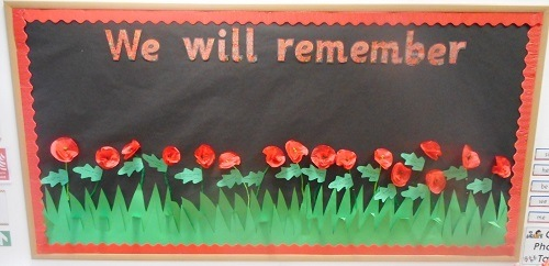 RemembranceDay-poppies-ParsonsGreenPrepSchool-Fulham-SW6-London-education-learning