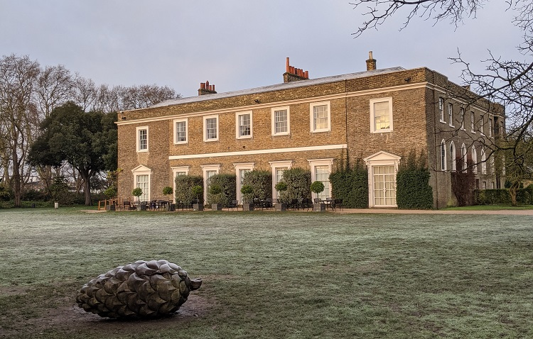 Fulham palace in the background on a frosty morning