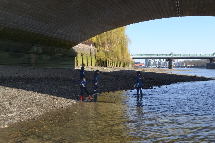 Parsons Green Prep School Students by River Thames
